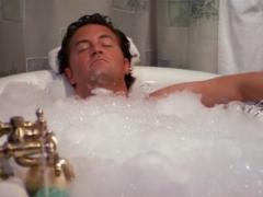 Ngâm mình trong nước nóng giúp giảm calo nhanh chóng và hiệu quả