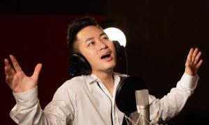Tùng Dương hát tri ân các chiến sĩ áo trắng chống dịch Covid
