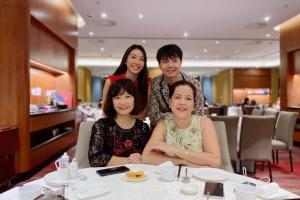 Á hậu Thúy Vân công khai mẹ chồng tương lai